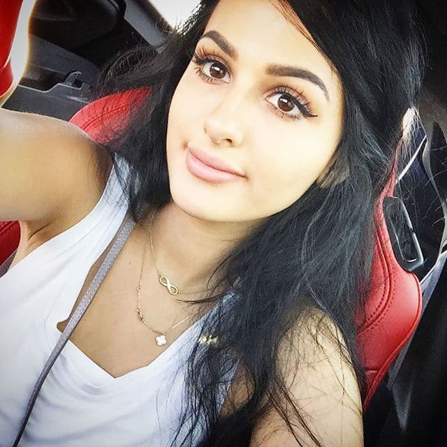 Sssniperwolf Lia Before Plastic Surgery photo - 1
