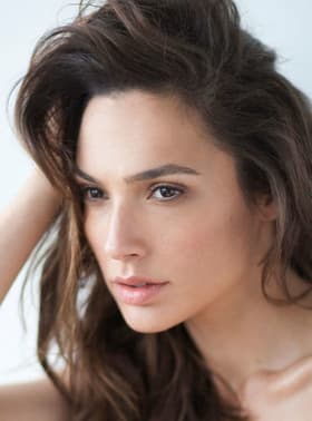 Gal Gadot Before And After Plastic Surgery photo - 1