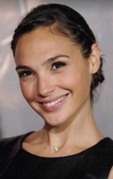 Gal Gadot Plastic Surgery Before After photo - 1